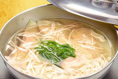 <strong>スープまで飲める水餃子</strong>